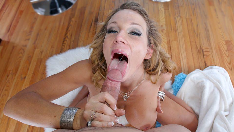 Nikki Sexx, Scene #01 - Mommy Blows Best